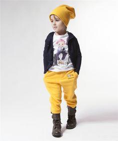 Love the yellow pants!
