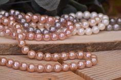 Χάντρες Πέρλες Φυσικές Old Rose 8mm 48τεμ. BD3182-604  Χάντρες πέρλες φυσικές σε χρώμα old rose.Διάμετρος: 8mmΗ συσκευασία περιέχει 48 τεμάχια. Beaded Bracelets, Jewelry, Vintage, Fashion, Jewellery Making, Moda, Jewels, Fashion Styles, Pearl Bracelets
