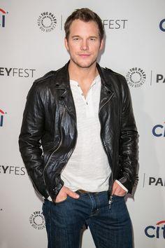 Chris Pratt: Anna Faris prefers me 'fat' instead of 'Guardians' ripped Chris Pratt Anna Faris, Agent Carter, Jessica Jones, Latest Movies, Black Love, Captain Marvel, Stylish Men, Cute Guys, Beautiful Men