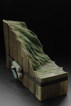 Escultura  em livros - por Guy Laramee