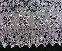 Haapsalu sciarpa grande mano a maglia quadrata estone di ByRees