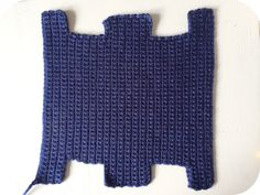 Vicki Brown Designs: Box Pencil Case :: A Crochet Pattern :: пенал