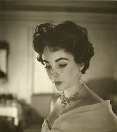 Elizabeth by Cecil Beaton