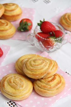 Vaniljesnurrer - My Little Kitchen Little Kitchen, Baking, Bakken, Backen, Sweets, Pastries, Roast