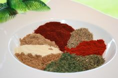 Gyros Spice Mix With A Kick Recipe - Greek.Genius Kitchen (chili and cumin seasoning) Gyro Seasoning, Greek Seasoning, Seasoning Mixes, Seasoning Recipe, Chili Seasoning, Homemade Spices, Homemade Seasonings, Shawarma, Spice Blends