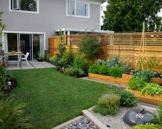 15 Awesome DIY Lawn Fencing Ideas