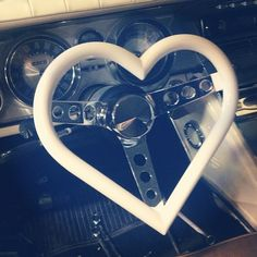 i want this sooo bad! in my ghetto car:)