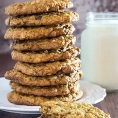 Flourless Oatmeal Cookies With Chocolate Chips • Dishing Delish Flourless Oatmeal Cookies, Oat Cookies, Gluten Free Cookies, Healthy Cookies, Gluten Free Baking, Healthy Treats, Amaretti Cookies, Cookie Bars, Healthy Foods