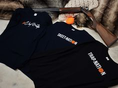 🍁 Fall 🍁 … in love with our long-sleeves t-shirts and shop them on www.valandtina.design   #claypigeonshooting #clayshooting #claypigeon #claypigeons #skeetshooting #trapshooting #shootingsports #shooting  #parcours #Tirol #Zillertal #mug #gift #geschenk #shotgun #shooter #balltrap #tiroavolo #trapshootinggirl #issf #sportingclays #wurftaube #wurfscheibenschiessen #schiesssport #tontauben #schießen #jagdparcours #valandtinadesign Skeet Shooting, Trap Shooting, Clay Pigeon Shooting, Adidas Jacket, Gift, Jackets, Design, Fashion, Clay Birds