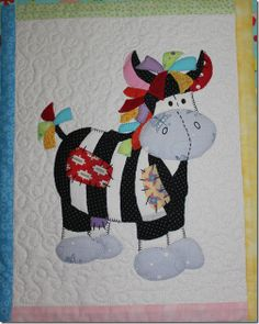 Quilt, cow can be made in,applique no patterns, but so cute Quilt Baby, Baby Quilt Patterns, Applique Patterns, Applique Quilts, Applique Designs, Quilting Patterns, Quilting Projects, Quilting Designs, Animal Quilts