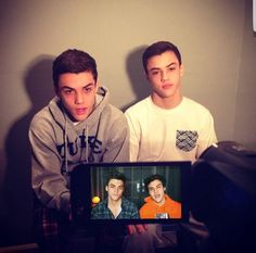 Who made this my heart Ethan And Grayson Dolan, Ethan Dolan, Triplets, Twins, Win My Heart, Things To Know, How To Be Outgoing, Beautiful Boys, Make You Smile