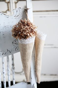 #burlap cones, trimmed with lace. Perfect for a #diy picnic or wedding theme.