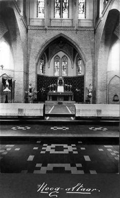 Interieur van de St.-Ludgeruskerk (Amsterdamsestraatweg 575) te Zuilen, uit het zuidwesten het koor met het hoogaltaar. ca 1927 Utrecht, Netherlands, Historia, Nostalgia, The Nederlands, The Netherlands, Holland