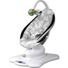 RockaRoo vs. MamaRoo: What is the difference? - Right Start Blog