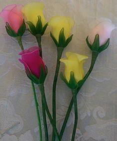 En boton Nylon Flowers, Wire Flowers, Burlap Flowers, Satin Flowers, Paper Flowers Diy, Handmade Flowers, Flower Crafts, Fabric Flowers, Flower Bouquet Diy
