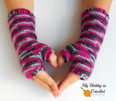Bella Bricks Fingerless Mitts - Free Crochet Pattern on myhobbyiscrochet.com