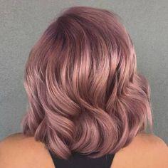 18 Trendy Rose Gold Hair Ideas for 2018 Cabelo Rose Gold, Gold Hair Colors, Trendy Hair Colors, Violet Hair Colors, Diy Shampoo, Grunge Hair, Cool Hair Color, Gorgeous Hair, Amazing Hair