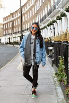 40 Denim Jacket Outfits You Must Try This Winter - Fashion/outfits - Denim Cute Winter Outfits, Fall Outfits, Casual Outfits, Cute Outfits, Casual Winter, Beautiful Outfits, Oversized Denim Jacket Outfit, Outfit Jeans, Denim Jacket Outfit Winter