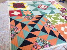 Moda Modern Building Blocks Machine quilted by Quilting Together with Mindy