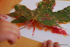 Are you looking for an inexpensive but beautiful craft to do with your kids this fall? I will show you how to make DIY fall leaf prints with kids. Harvest Crafts For Kids, Easy Fall Crafts, Easy Crafts For Kids, Crafts To Do, Gifts For Kids, Art For Kids, Kid Art, Spring Crafts, Toddler Art