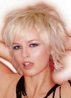 Short blonde hairstyles pictures. Blonde haircuts section 13. Picture 128.