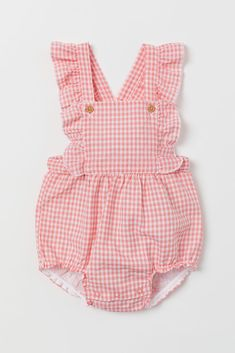 Cotton Bib Overall Shorts - Pink/checked - Kids Dungarees Shorts, Bib Overalls, Baby Clothes Patterns, Cute Baby Clothes, Clothing Patterns, Style Salopette, Baby Outfits, Kids Outfits, Baby Girl Fashion