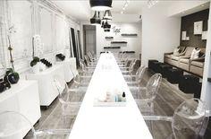 """Tips Nail Bar: """"This is my go-to nail salon. Nail Salon Design, Nail Salon Decor, Beauty Salon Decor, Beauty Salon Design, Beauty Salon Interior, Spa Interior, Salon Interior Design, Salons Cottage, Nail Saloon"""