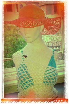 Lace hat with beachwear