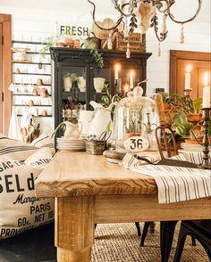 White Farmhouse, Country Farmhouse Decor, Vintage Farmhouse, Sunroom Decorating, Decorating Ideas, Farmhouse Dining Room Table, Country Sampler, Fall Fest, Centerpieces