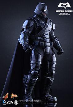 Hot Toys : Batman v Superman: Dawn of Justice - Armored Batman (Black Chrome Version) 1/6th scale Collectible Figure