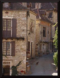 Le Ptit Fou.. mais cest pas le chien - Saint-Cirq-Lapopie, Midi-Pyrénées