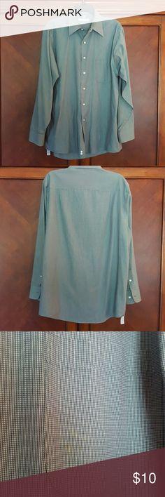 Green plaid dress shirt Geoffrey Beene. EUC. No spots, holes. Cotton polyesyer blend.  Wrinkle free 34/35 Geoffrey Beene Shirts Dress Shirts
