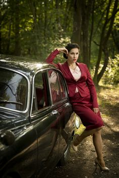 Oldtimer jaguar and woman in rot suit Model dollycrow E Type, Suit, Cars, Woman, My Favorite Things, Couple Photos, Couples, Model, Vintage