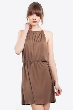 Meryl Dress – Slinky knit halter dress – Large armholes – Stretch band around waist – Fully lined – Tie and keyhole on back