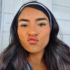White Eyeliner Looks, White Eyeliner Makeup, White Makeup, Eyeshadow Makeup, Makeup Eye Looks, Eye Makeup Art, Beauty Makeup, Hair Makeup, Women's Beauty