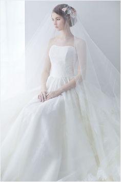 [웨딩드레스] 드레스를 입는 그녀, 디허웨딩 강남구 논현동에 위치한 '디허웨딩(D.HER WEDDING)'은 '드레스를 입는 그녀'라는 뜻을 가진 오직 신부님만을 위한 전문 드레스숍 Wedding Trends, Wedding Styles, Bridal Dresses, Flower Girl Dresses, Disney Princess Dresses, Wedding Veils, Bridal Portraits, Beautiful Bride, One Shoulder Wedding Dress