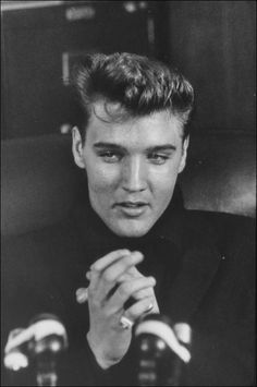 When Elvis returned home from the Army he held a press conference in Vernon's office at Graceland.
