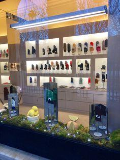 Gloves Maison Fabre Palais Royal Paris Versailles Millau Aveyron gants luxe made in France accesories glovemaker factory savoir faire epv