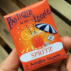 the cutest wedding favour - aperol spritz candies from Pastiglie Leone <3 <3