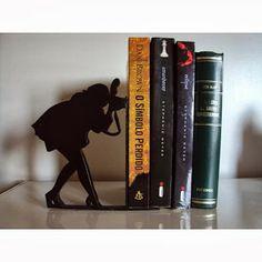 A casa da Bianca: Aparadores de livros diferentes