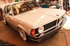 Bmw Design, Bmw E21, Car Brands, Old Cars, Classic Cars, Vans, Bike, Barbie, Style