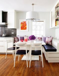 Kitchen banquette seating is so comfy and inviting. With this square table its perfect! Kitchen Banquette, Banquette Seating, Dining Nook, Kitchen Nook, Eat In Kitchen, Kitchen Dining, Kitchen Decor, Kitchen Ideas, Corner Seating
