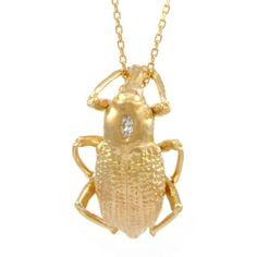Le pendentif insecte en or de Céline d'Aoust http://www.vogue.fr/joaillerie/le-bijou-du-jour/diaporama/le-pendentif-insecte-en-or-de-celine-d-aoust/17509