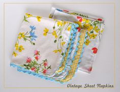 napkins from vintage sheets. previous Pinner said --> How did I not think of this sooner? I just keep buying vintage sheets and waiting. Fabric Crafts, Sewing Crafts, Sewing Projects, Diy Crafts, Vintage Sheets, Vintage Fabrics, Vintage Sewing, Little Presents, Linens And Lace