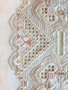 Ivory Blush detail