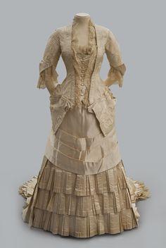 Wedding dress 1882