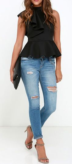 It's incredible how unforgettable you will be in the Forever More Black Peplum Top! Poly-spandex, medium weight knit forms a sleeveless peplum top with ruffle. Outfits 2016, Mode Outfits, Fashion Outfits, Fashion Trends, Casual Summer Outfits, Spring Outfits, Peplum Top Outfits, Peplum Tops, Look Blazer