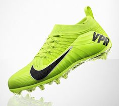 NIKE vapor ultimate football cleat