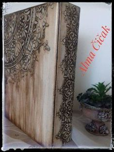 (47) Одноклассники Newspaper Crafts, Book Crafts, Diy And Crafts, Decoupage Box, Decoupage Vintage, Wooden Wall Art, Wood Art, Diy Repurposed Books, Mixed Media Boxes