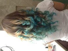 blue dip dyed hair